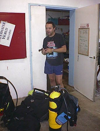 1998-04-12 Perth, Australia   Metallica.com