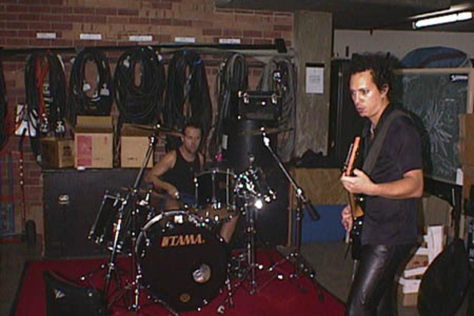 1998-04-11 Perth, Australia   Metallica.com
